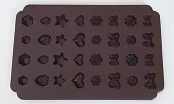 樹脂粘土を使ったアクセサリーの作り方まとめ!【ピアス・ネックレス】のサムネイル画像