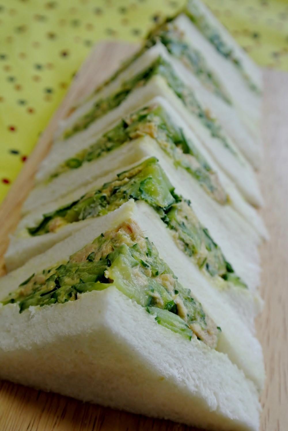 きゅうりの人気レシピ集!サラダなど大量消費の方法も!簡単で美味しい!のサムネイル画像