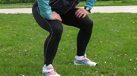 スクワットで筋肉痛になった時の治し方!太ももが痛くなる原因は?のサムネイル画像