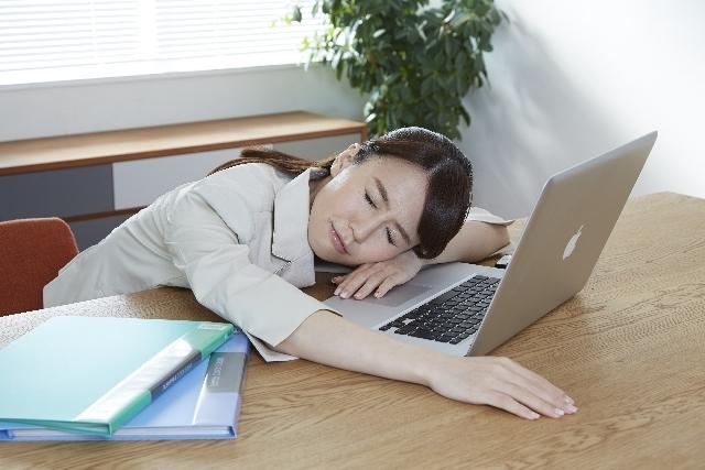疲れがとれない…眠い・だるい原因は肝臓にある!対処法や対策をまとめてご紹介のサムネイル画像