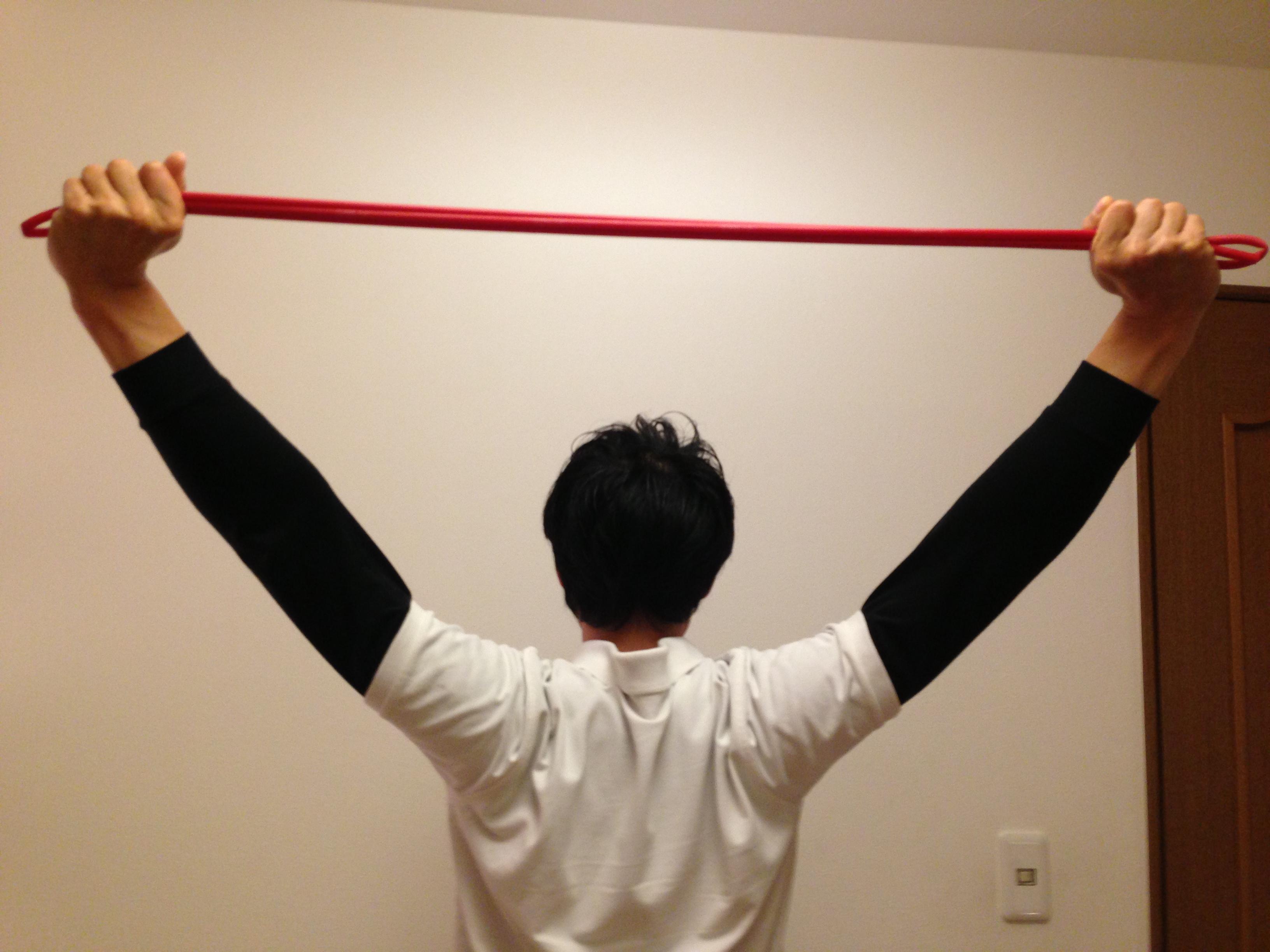 広背筋のストレッチで猫背解消!トレーニングにはダンベルが最適?のサムネイル画像