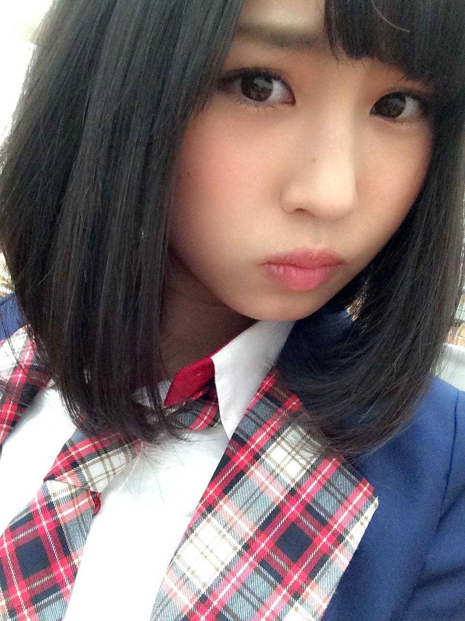 NMB48古賀成美(なる)の水着グラビア画像はあるのか?胸は何カップ?のサムネイル画像