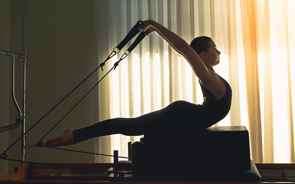 ダンベルで背筋をトレーニング!正しい鍛え方や女性向けのやり方は?のサムネイル画像