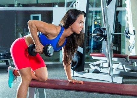 上腕三頭筋の鍛え方・筋トレ方法まとめ!二の腕の引き締めは腕立てが最適?のサムネイル画像