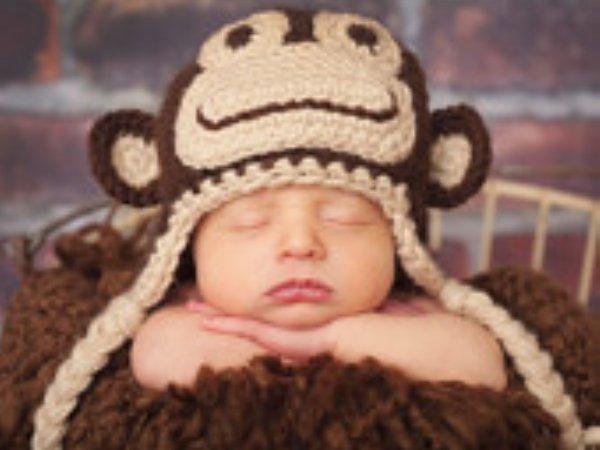 モロー反射はいつまで?新生児・赤ちゃんの動きが激しい・起きる場合の対処法!のサムネイル画像