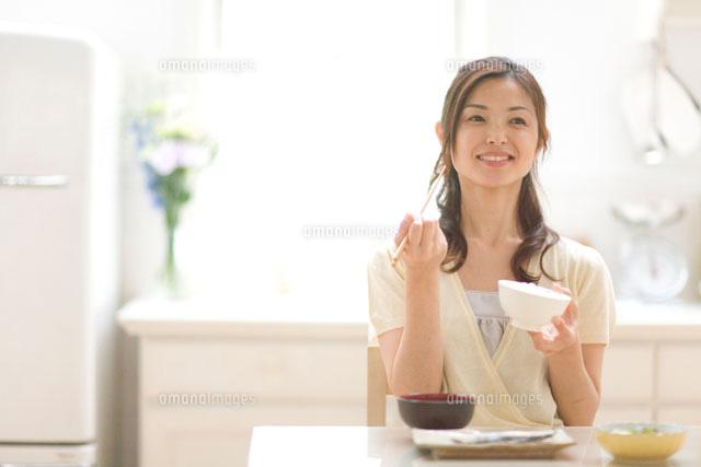 簡単ダイエットの方法まとめ!1ヶ月の短期間で確実に痩せる?【運動あり・なし】のサムネイル画像