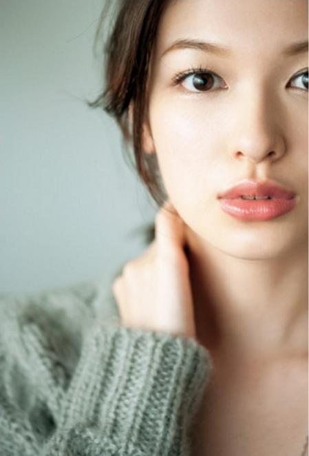 森絵梨佳が結婚した旦那は?かわいいと話題のモデル【ユニクロCM】のサムネイル画像