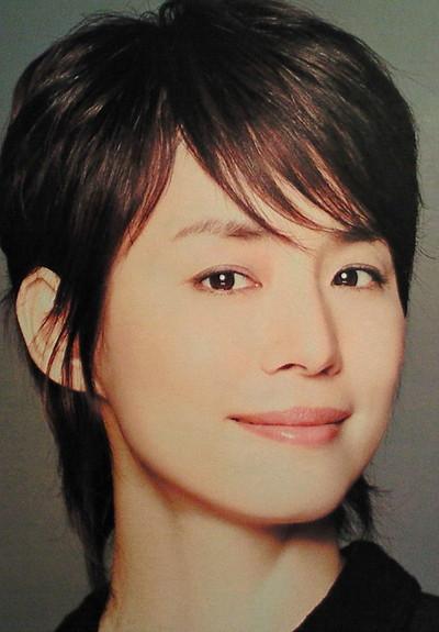 石田ゆり子の不倫相手は大物芸能人?結婚しないで独身でいる理由!のサムネイル画像