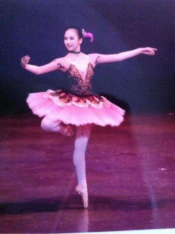 Twice・ミナは高校中退してダンススクールに?新体操も得意だった!のサムネイル画像