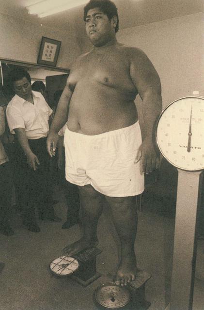 小錦がダイエット!痩せた現在の体重は?減量前の昔の画像と比較のサムネイル画像