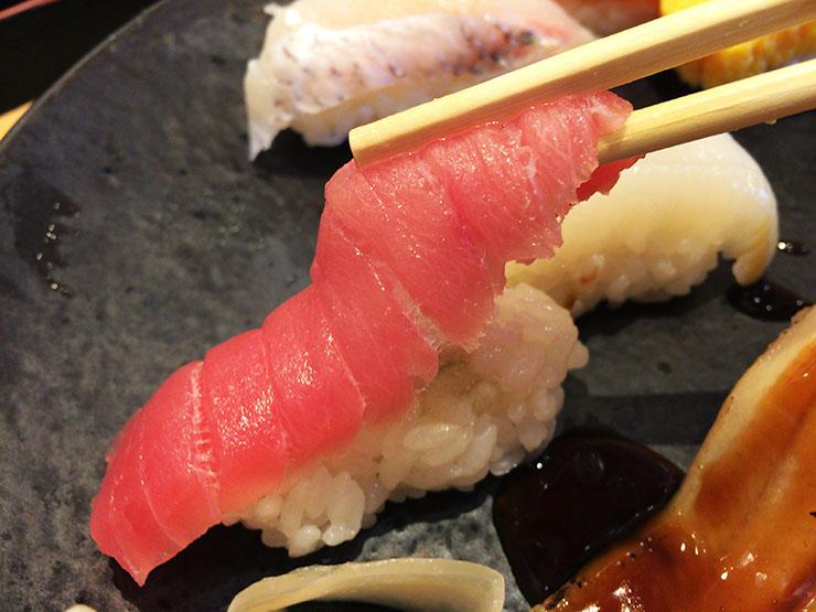 【スシロー】寿司のカロリー一覧まとめ!ダイエット中でも食べられるネタは?のサムネイル画像