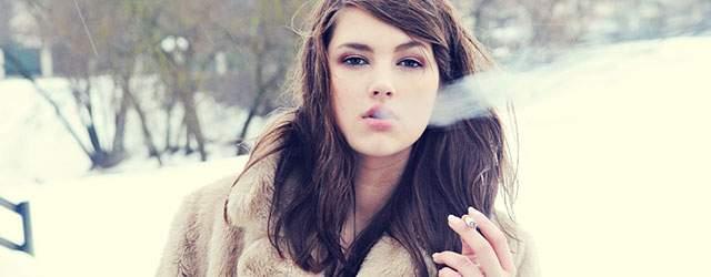 タバコの吸い方・持ち方まとめ!女性がかっこよく・性格よく見せるには?のサムネイル画像