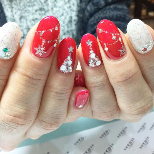 ネイルデザイン・冬編!バレンタインには大人可愛いネイルを!のサムネイル画像