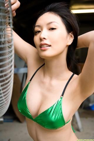 長澤奈央の画像まとめ!セクシー水着グラビアが過激!胸のカップは?のサムネイル画像