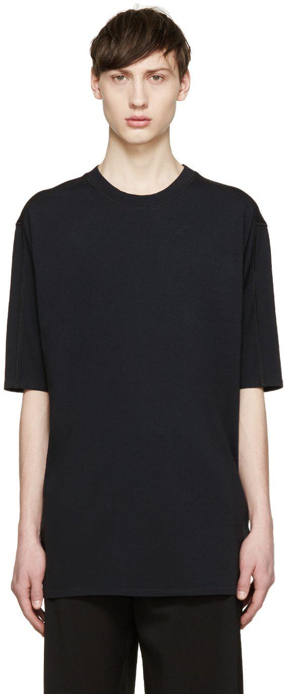 ドロップショルダーとは?Tシャツやコート・ニットなどのコーデまとめ!のサムネイル画像