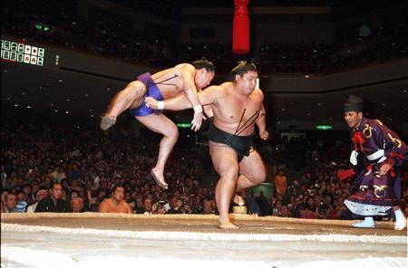 舞の海修平は元相撲とり!彼の身長や嫁との結婚・子供をまとめ【画像】のサムネイル画像