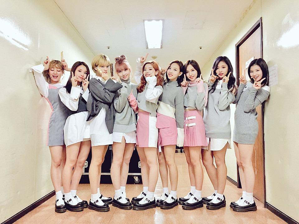 Twiceのメンバーを人気順ランキングで発表!身長や年齢も!のサムネイル画像