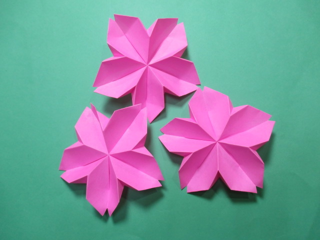 ひな祭りの雛人形を折り紙で製作!簡単な作り方まとめ!飾りも手作り!のサムネイル画像