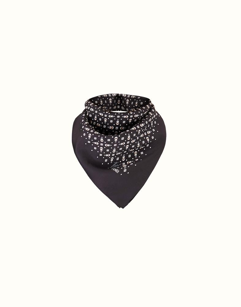 スカーフの人気ブランドまとめ!激安ブランドからメンズ向けまで!のサムネイル画像