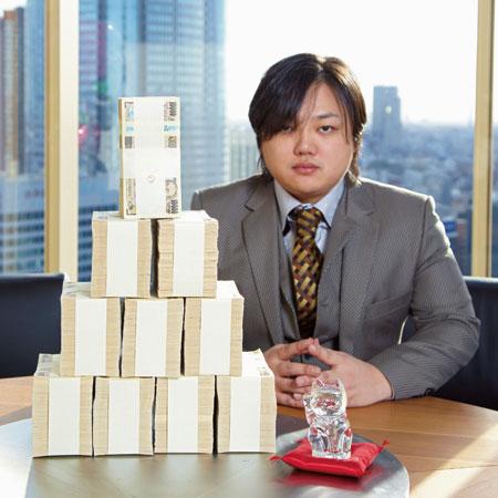 与沢翼の評判まとめ!詐欺師との噂も!仕事は何?シンガポールで豪遊生活!のサムネイル画像