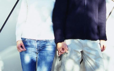 デートで手をつなぐのは何回目?付き合う前でもOK?成功する方法を紹介のサムネイル画像