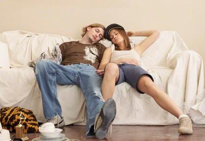 彼氏と同棲するときの注意点まとめ!絶対にしてはいけないことは?のサムネイル画像