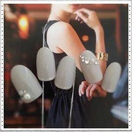 ネイルはグレーがシンプルで上品!大人可愛いデザインをまとめ!のサムネイル画像