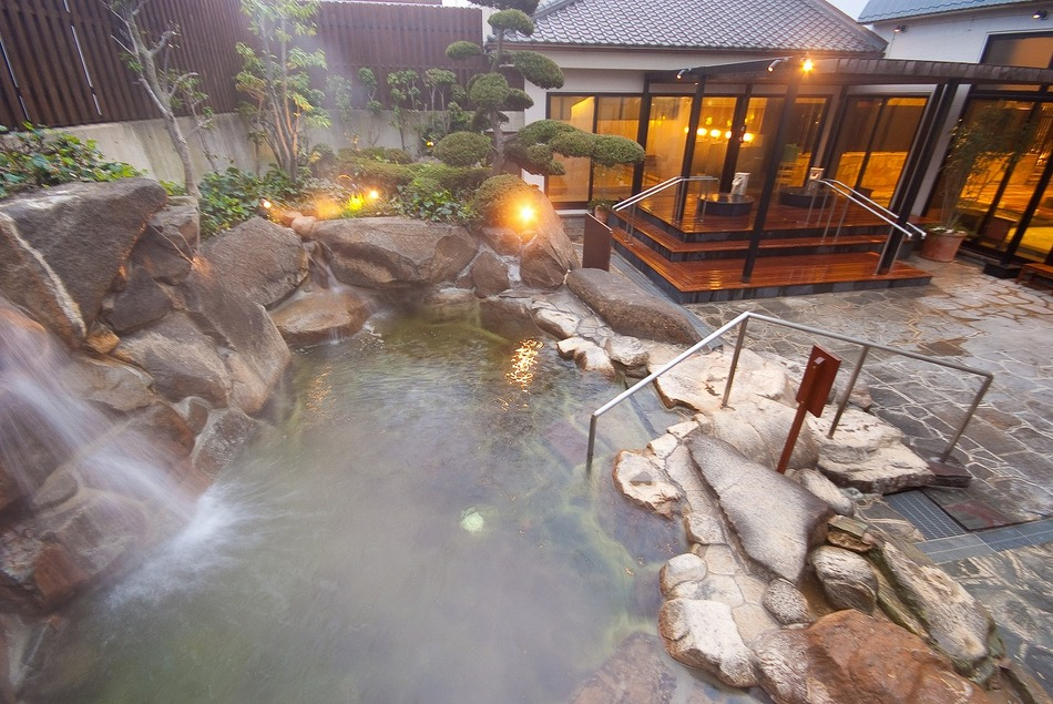 【関西雨の日デート】雨でも楽しい関西おすすめ人気デートスポット17選のサムネイル画像