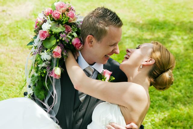 結婚したい職業ランキング!【男女別】結婚相手に求める職業は?のサムネイル画像