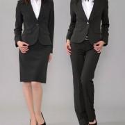 入学式はスーツでも大丈夫?大学生の正しい服装を男女別にご紹介!のサムネイル画像