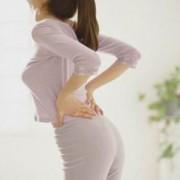 反り腰の原因と治し方は?改善させるストレッチ方法や正しい座り方のサムネイル画像