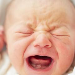 赤ちゃんが泣き止む動画や音楽を厳選して紹介!効果的な音はなに?のサムネイル画像