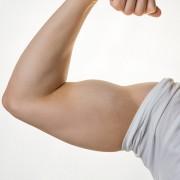 山田涼介の筋肉が凄い!美しい腹筋の魅力を画像と共に紹介しますのサムネイル画像